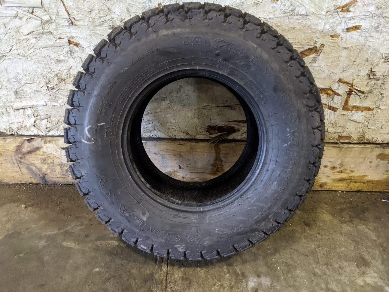 Galaxy 14-17.5 Wheels / Tires / Track