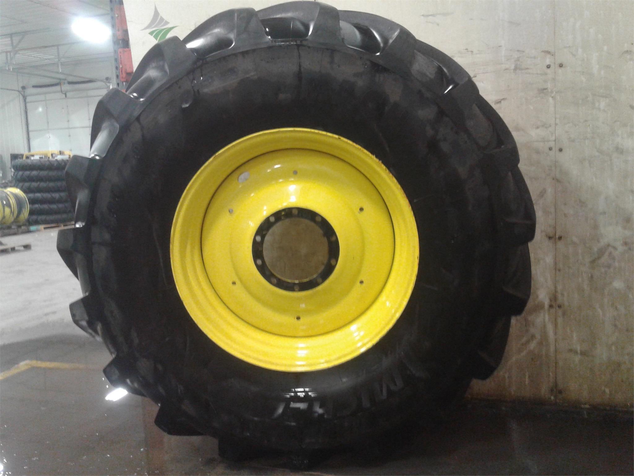 Michelin 800/70R38 Wheels / Tires / Track