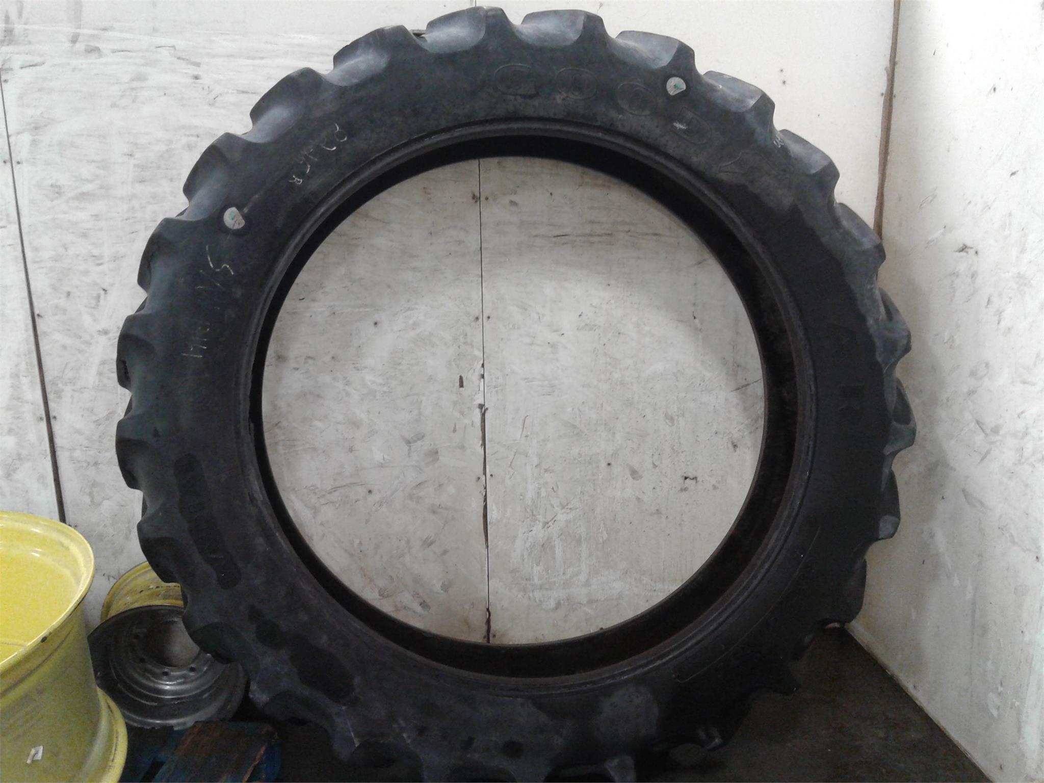 Goodyear 380/90R54 Wheels / Tires / Track
