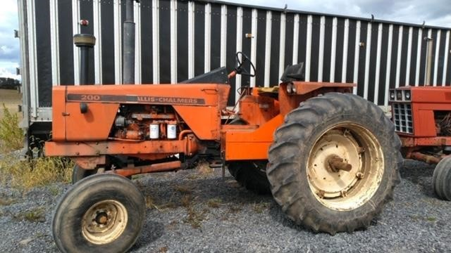 Allis Chalmers 200 Tractor