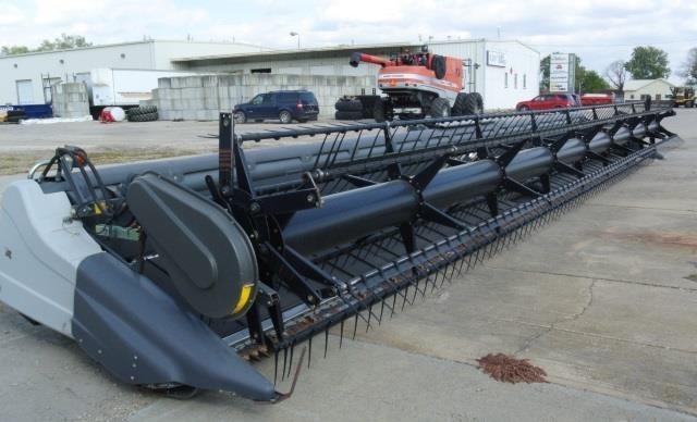 2012 Gleaner 9250 Platform