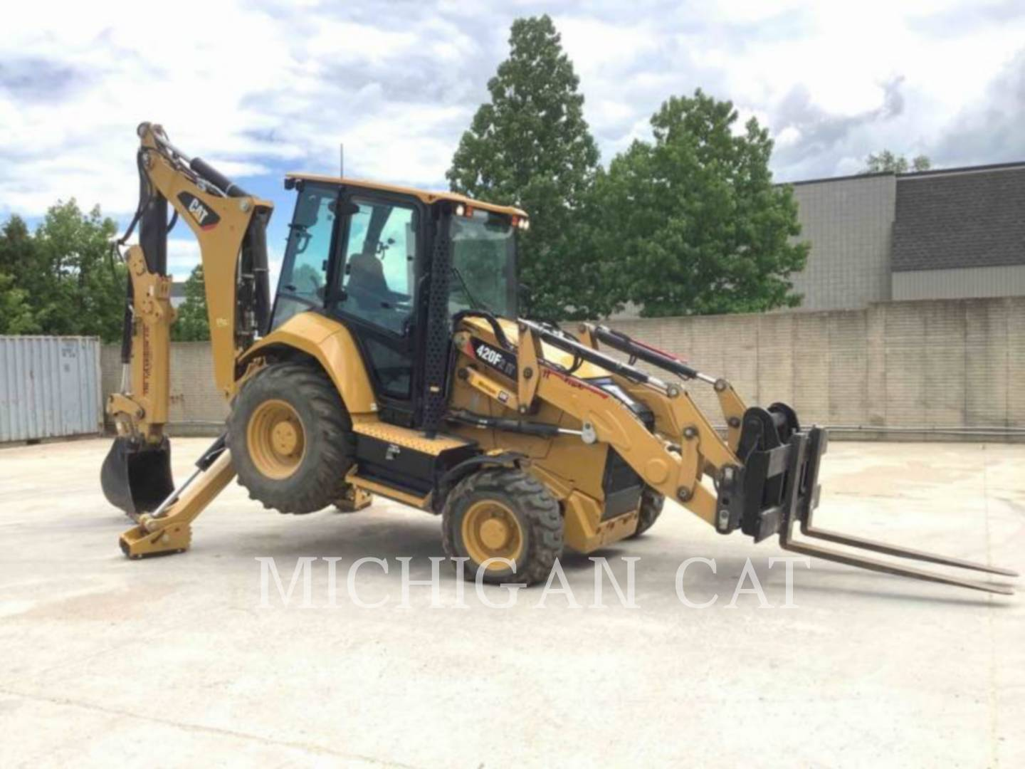 2018 Caterpillar 420F2IT Backhoe