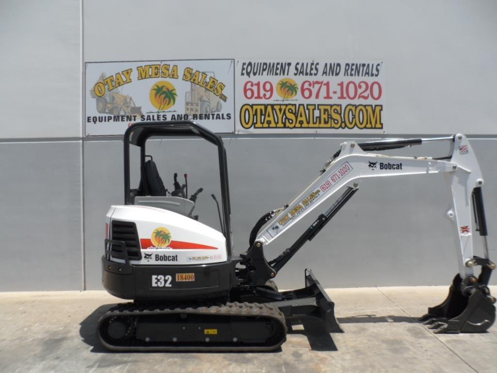 2013 Bobcat E32 Excavators and Mini Excavator