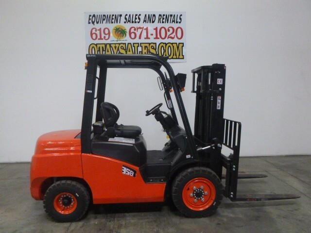 2018 Redlift CPCD35 Forklift
