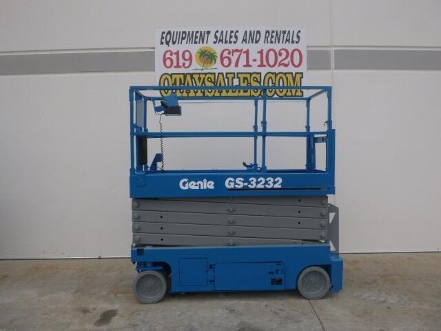 2012 Genie GS3232 Scissor Lift