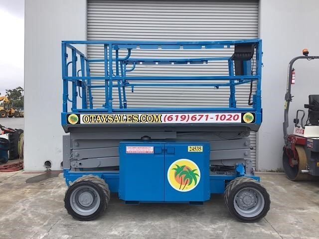 2013 Genie GS2669RT Scissor Lift