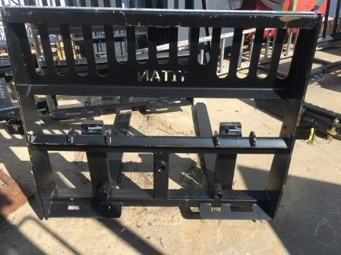Titan 48 IN. 5000 LBS Loader and Skid Steer Attachment