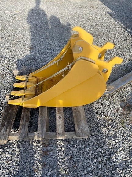 2018 John Deere AT460879 Backhoe and Excavator Attachment