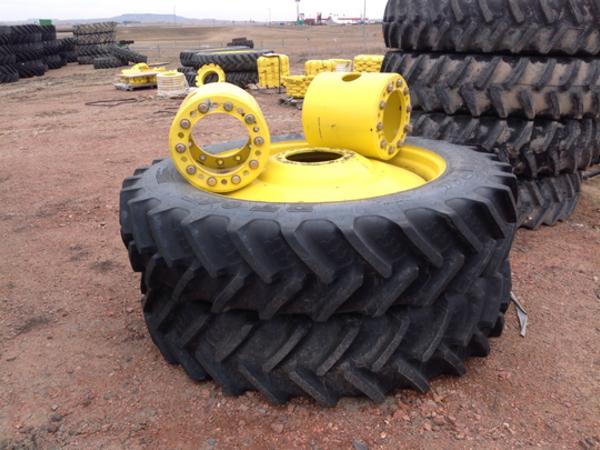 John Deere DUALS Wheels / Tires / Track