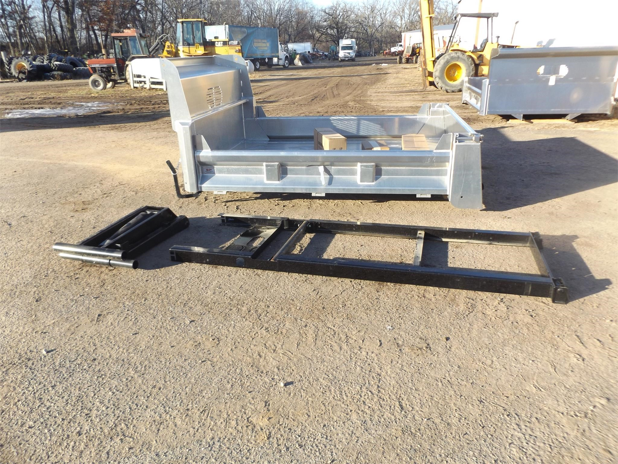 2019 Rugby 9 FT Truck Bed