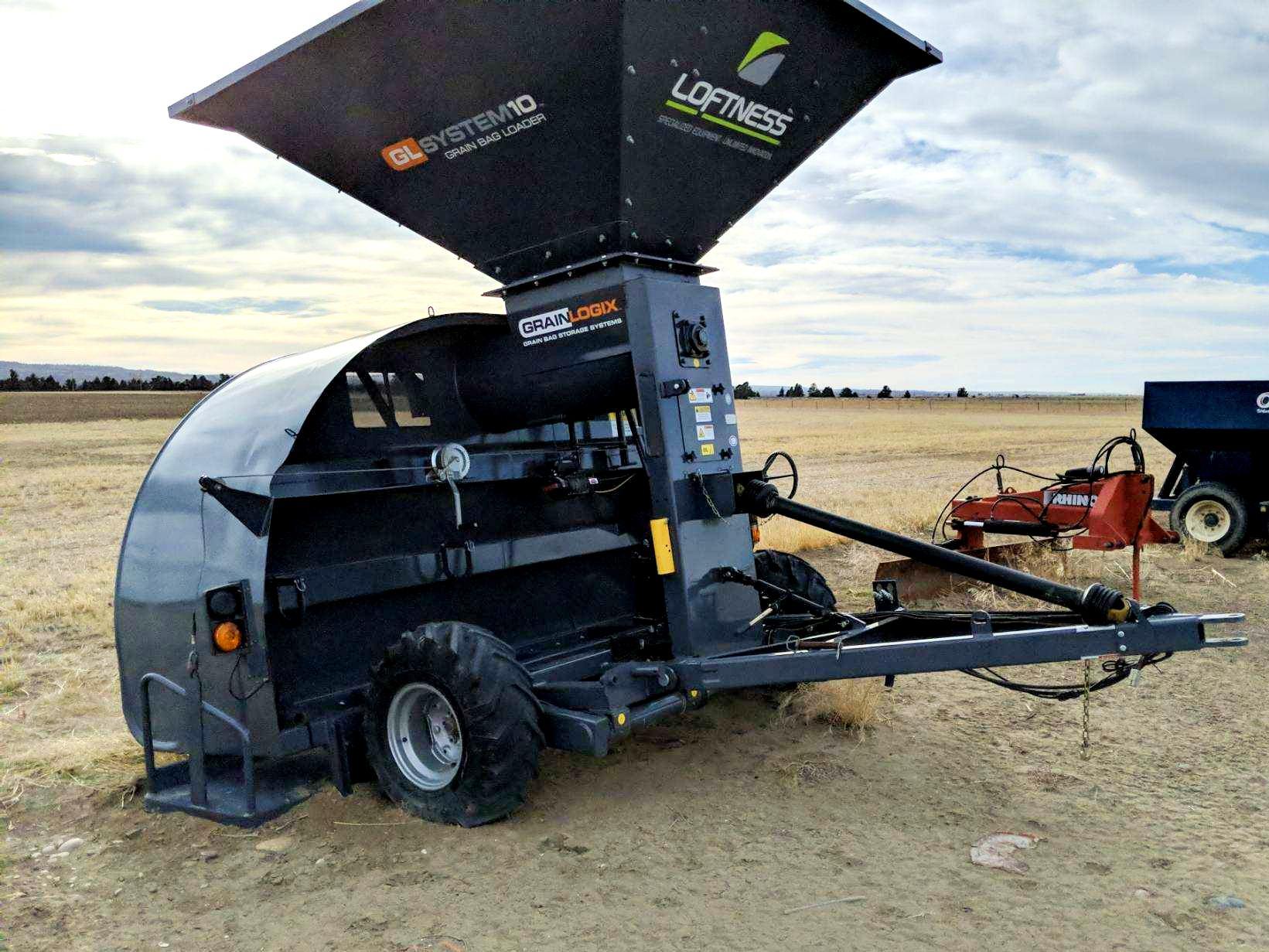 2016 Loftness GBL10 Grain Bagger