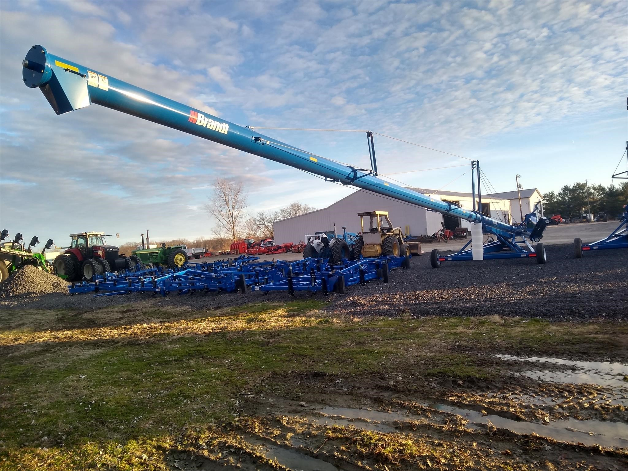 2020 Brandt 1390XL Augers and Conveyor