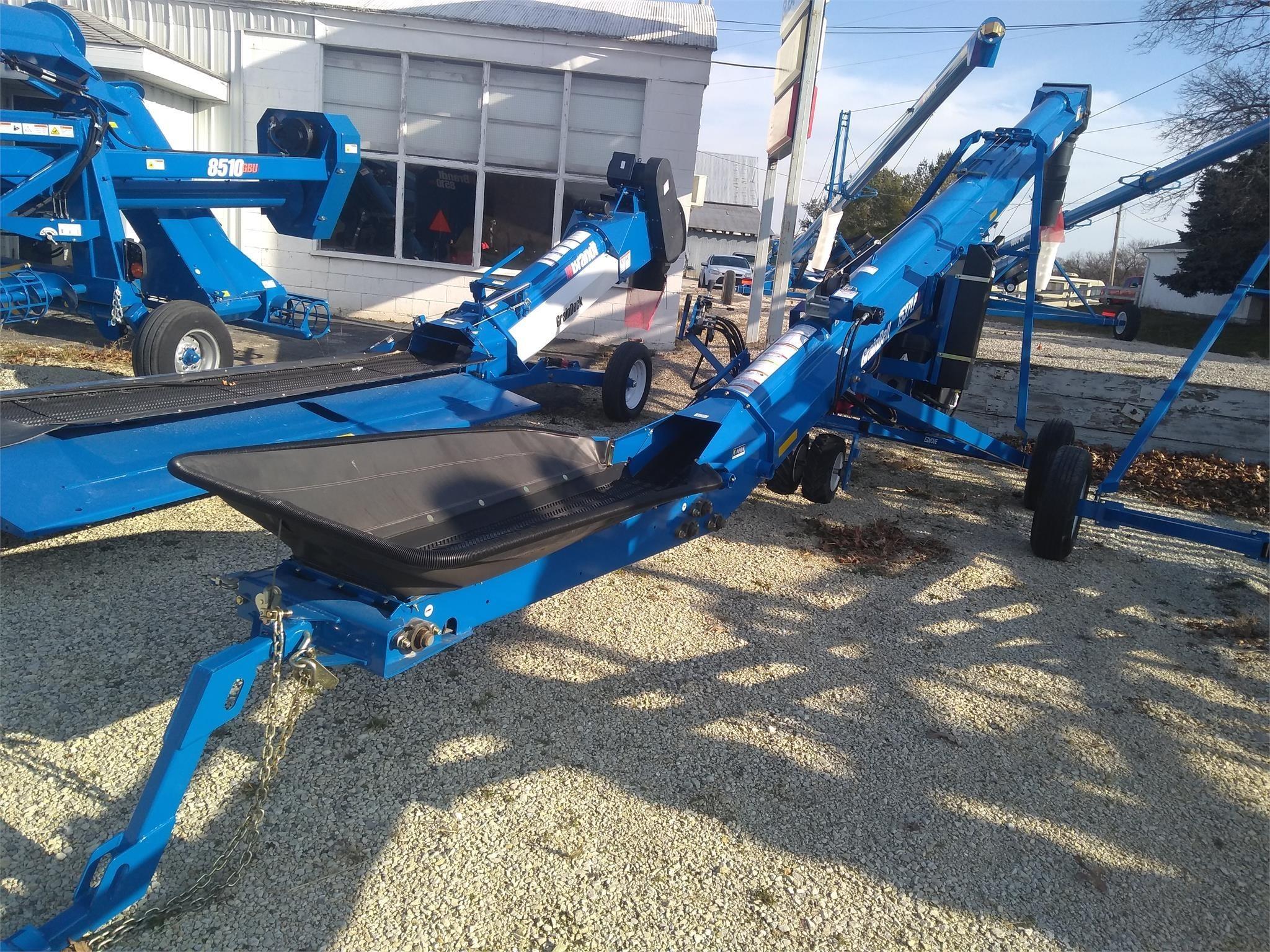 Brandt 1537LP+ Augers and Conveyor
