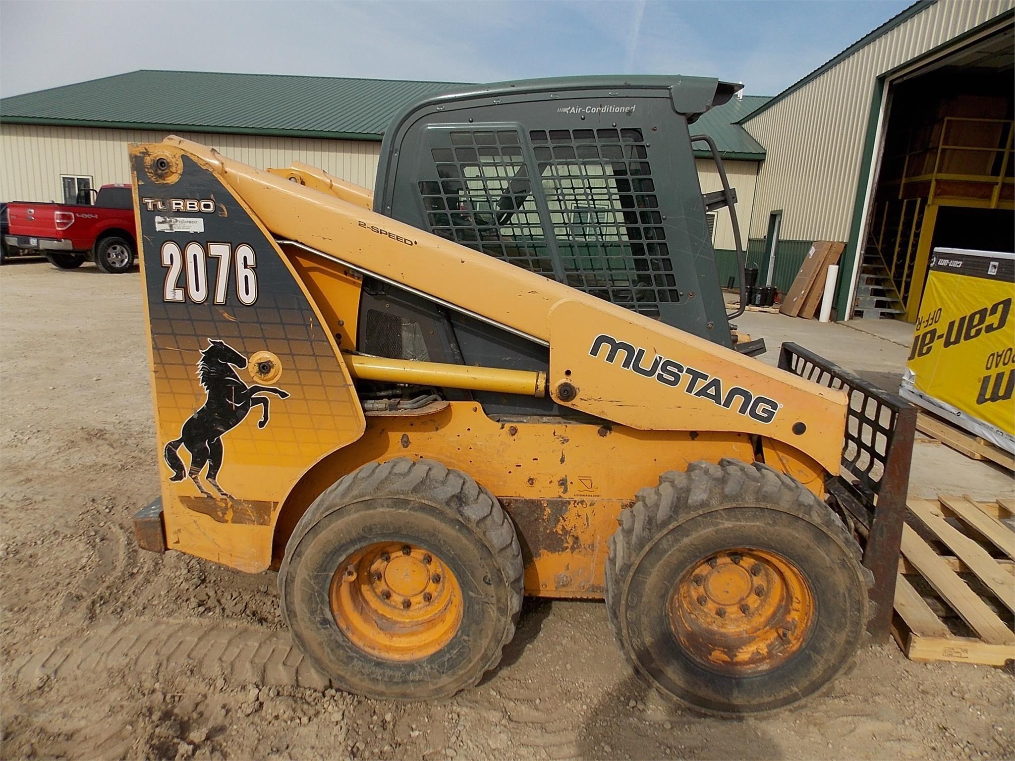 2008 Mustang 2076 Skid Steer
