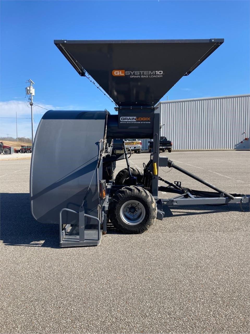 2000 Loftness GBL10 Grain Bagger