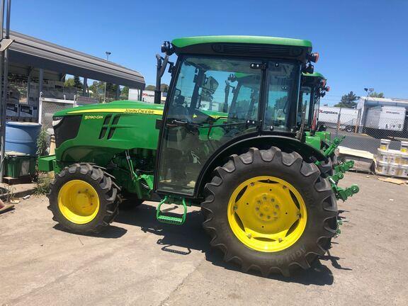2020 John Deere 5090GN Tractor