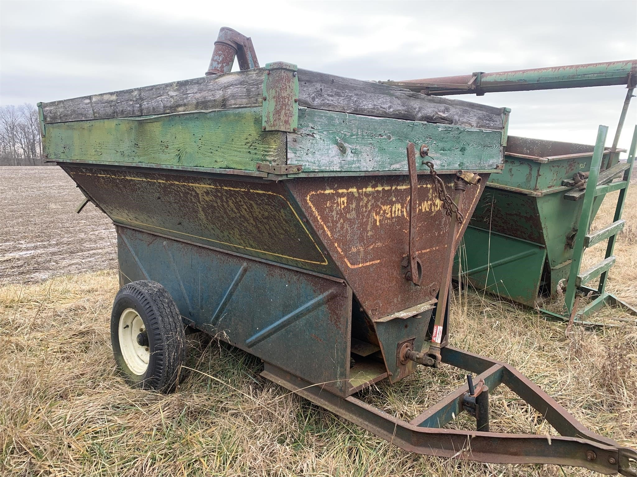 Grain-O-Vator 10-20 Feed Wagon