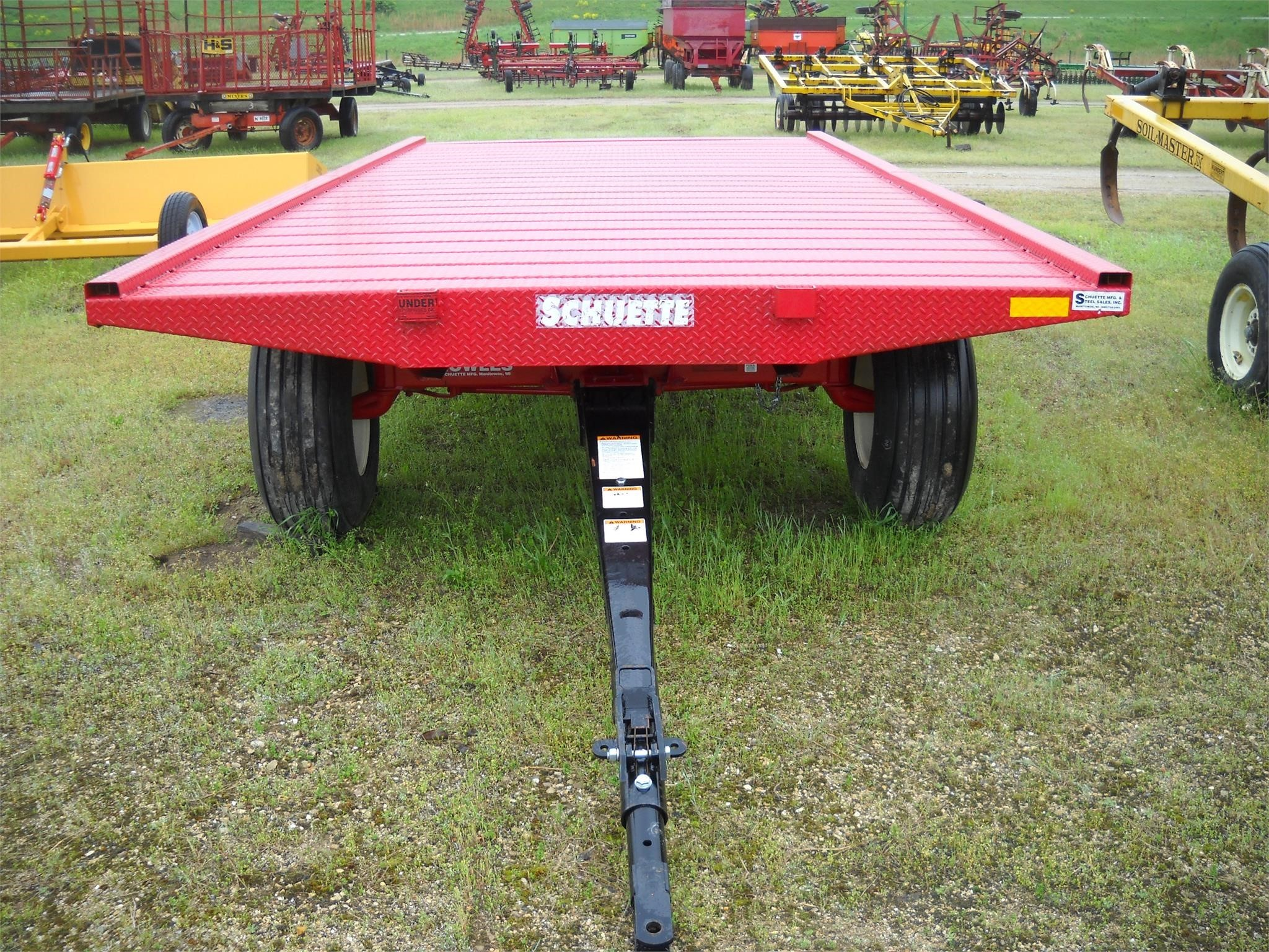 2019 SCHUETTE 20FT Bale Wagons and Trailer