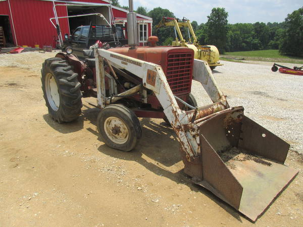 1972 International 544 Tractor