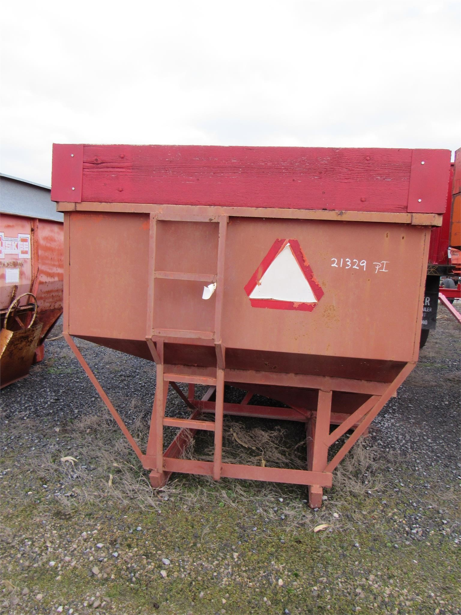 Unverferth McCurdy 130 Gravity Wagon