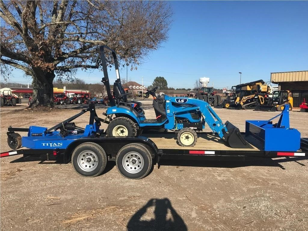 2021 LS MT122 Tractor