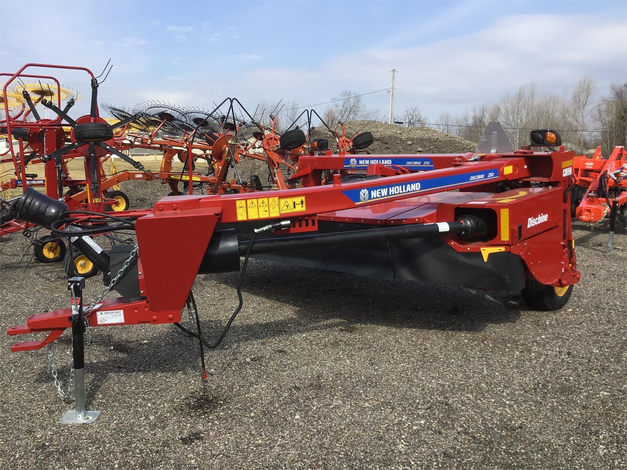 New Holland 210 Manure Spreader