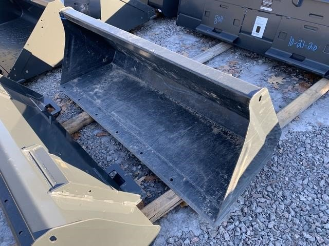 """2020 Bobcat 60"""" Loader and Skid Steer Attachment"""