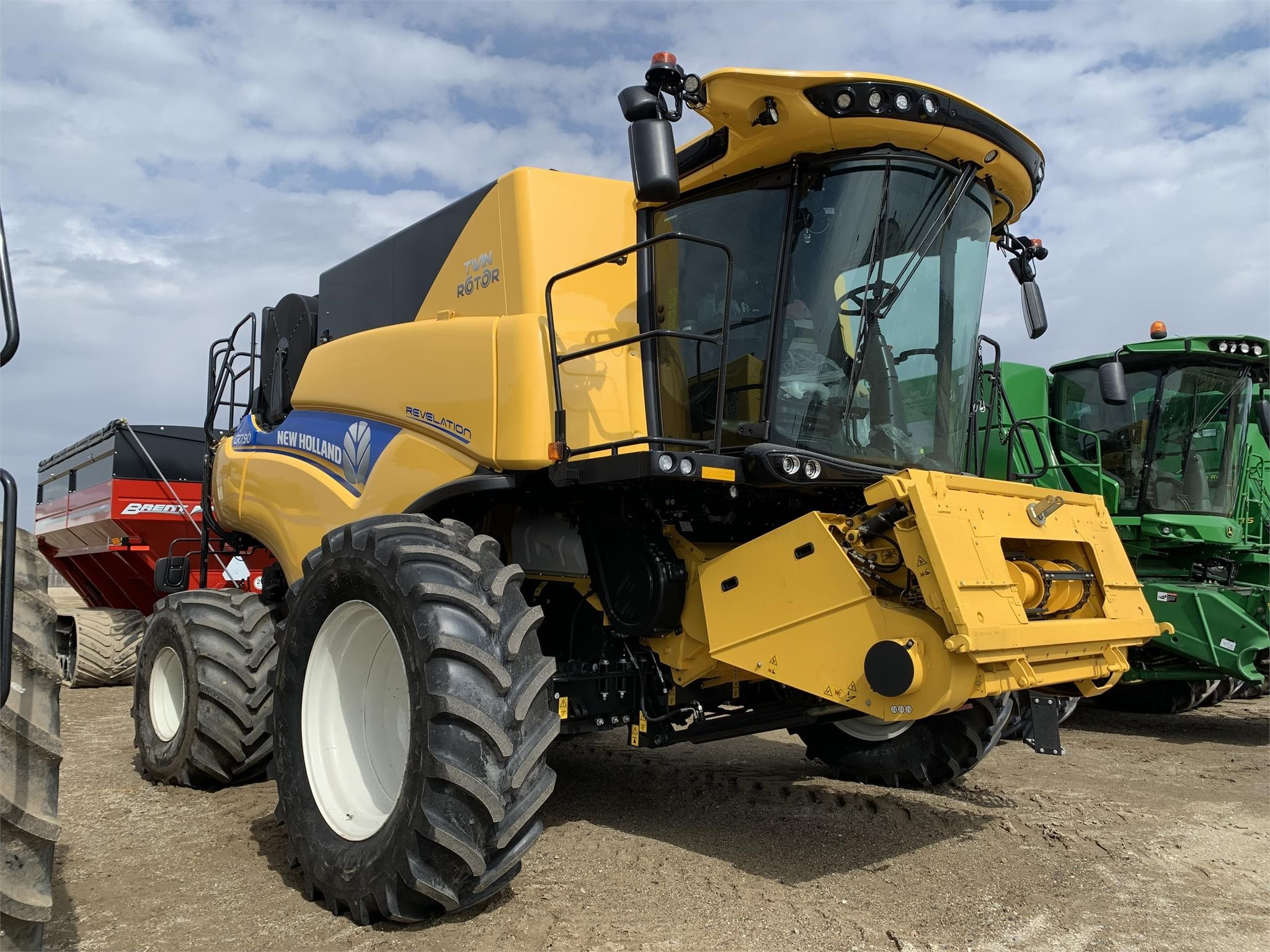 2021 New Holland CR7.90 Combine