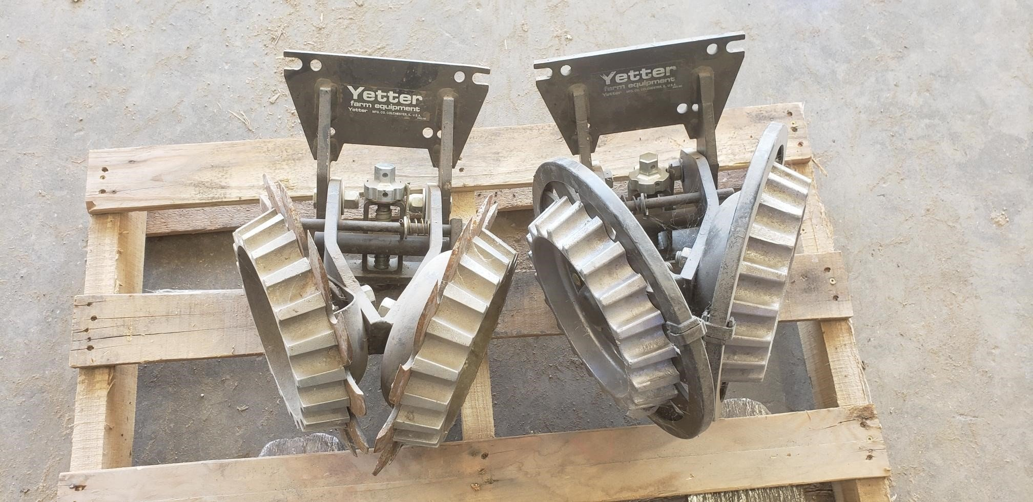 Yetter Screw Adjust Residue Managers Planter and Drill Attachment