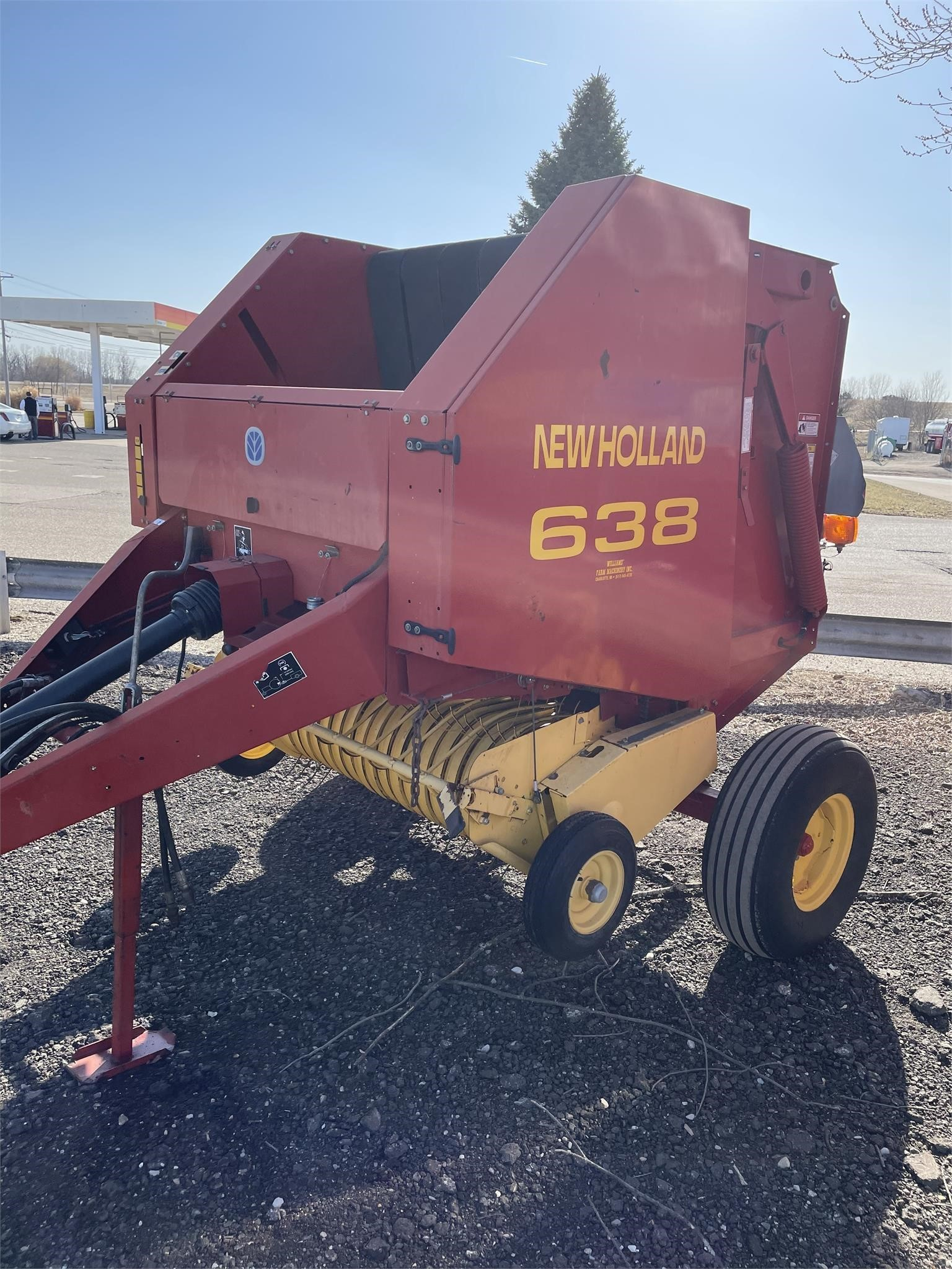 2001 New Holland 638 Round Baler