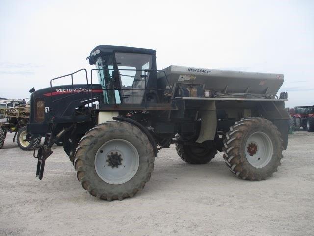 Vector V300 Self-Propelled Fertilizer Spreader