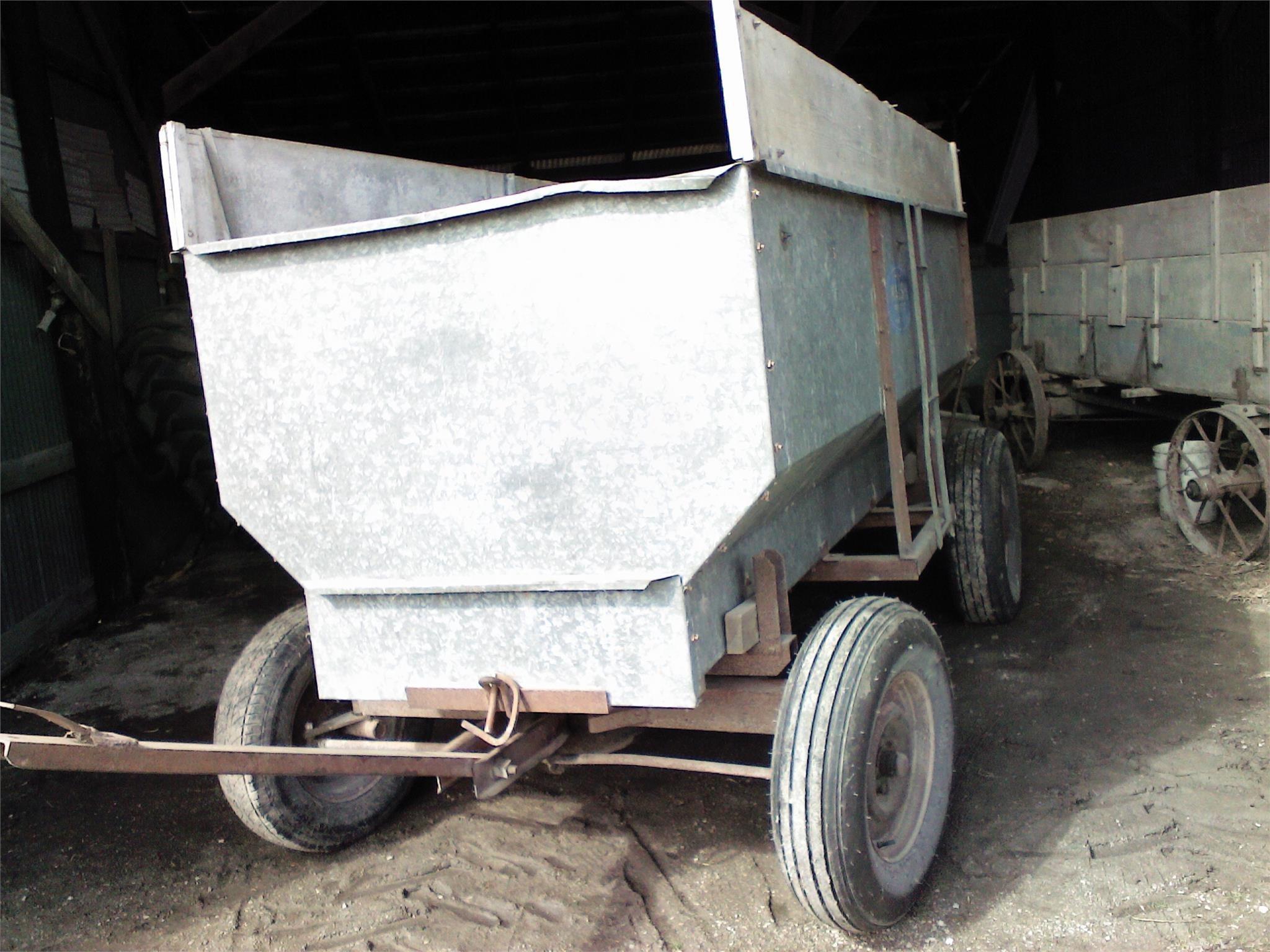 Walsh 100 Gravity Wagon