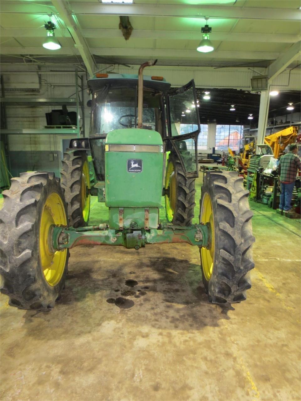 2000 John Deere 2955 Tractor