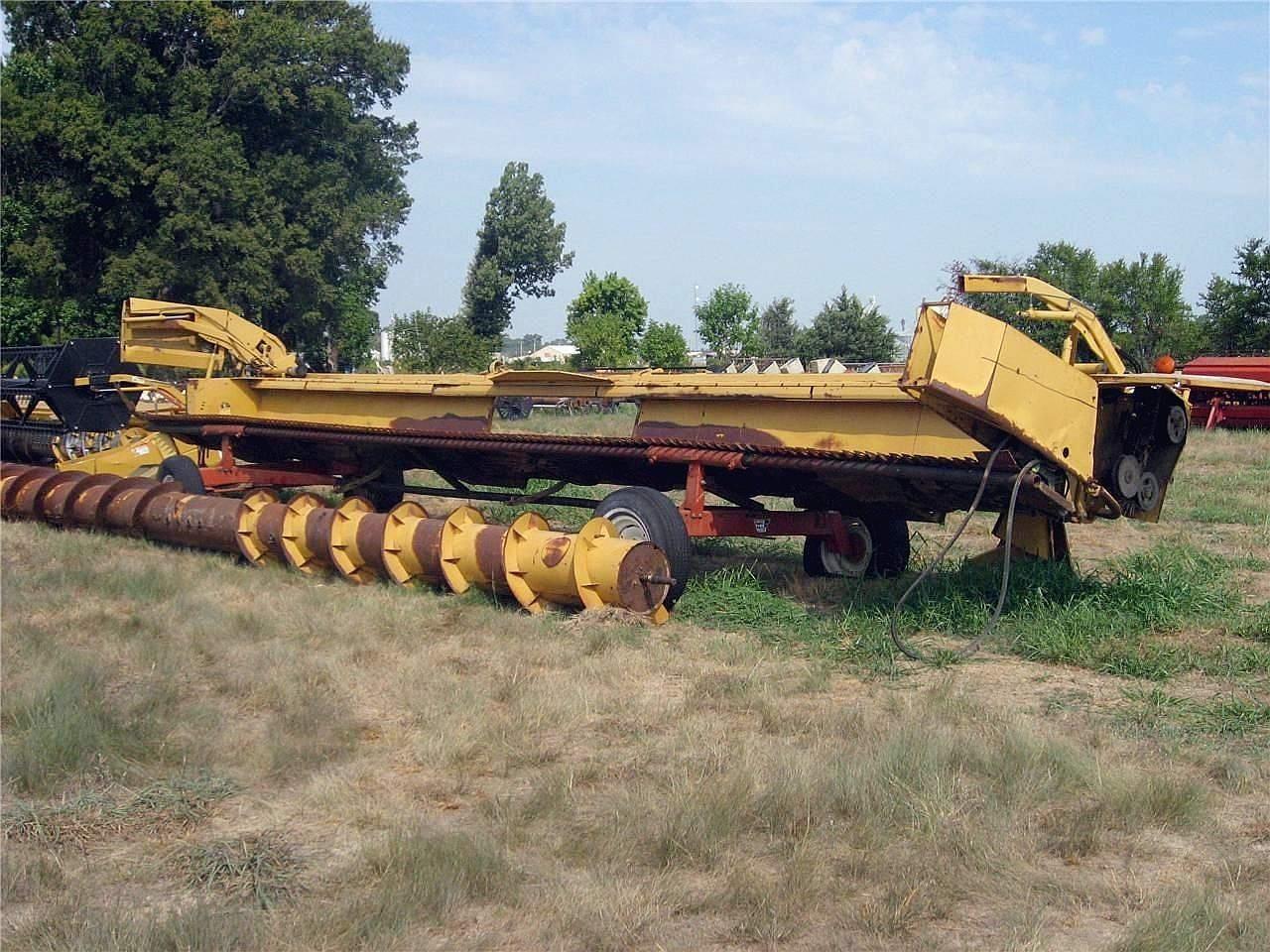 1999 Caterpillar F30 Platform