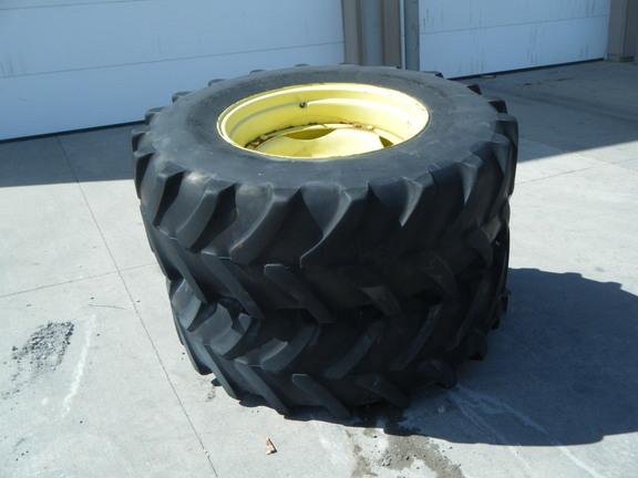 John Deere 420/85R28 Wheels / Tires / Track