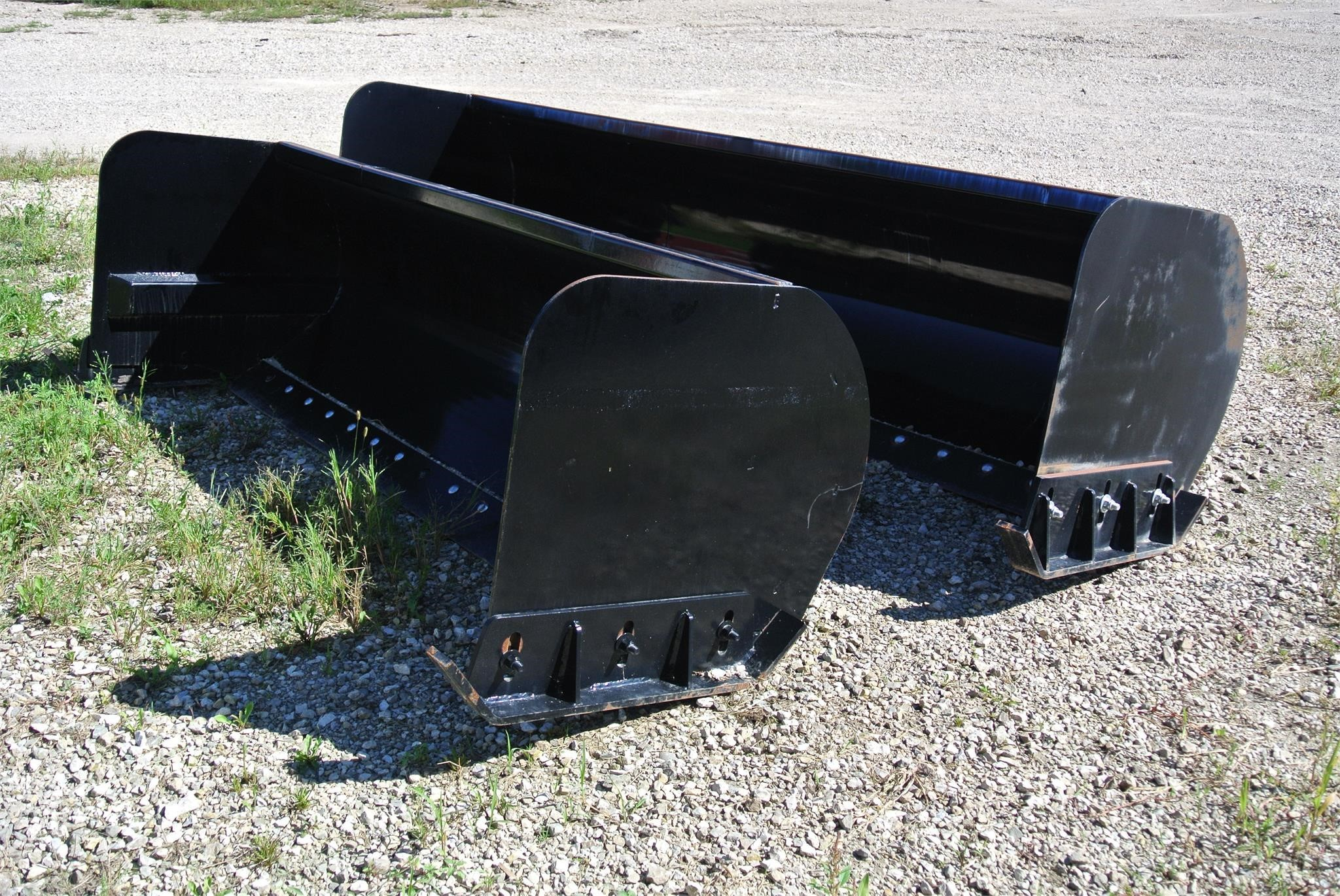Hoover SNP96 Loader and Skid Steer Attachment