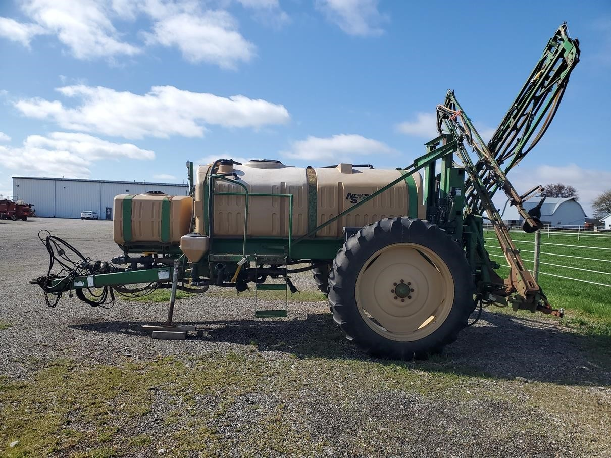 1998 Great Plains AS1000 Pull-Type Sprayer