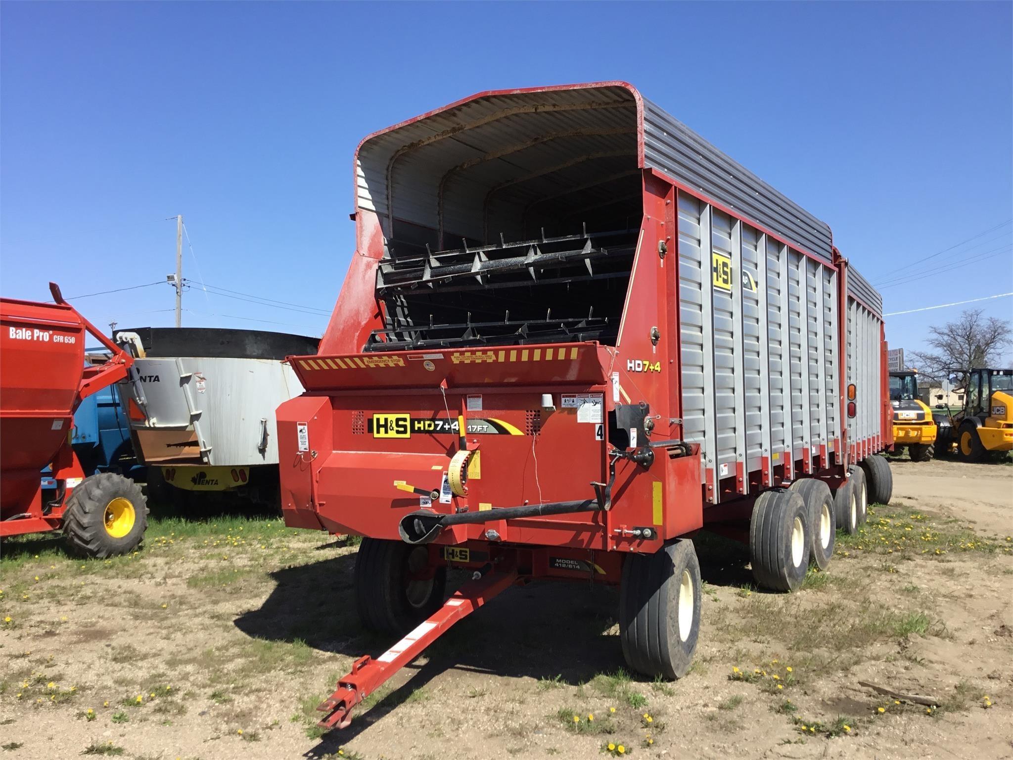2017 H & S FB7418 Forage Wagon