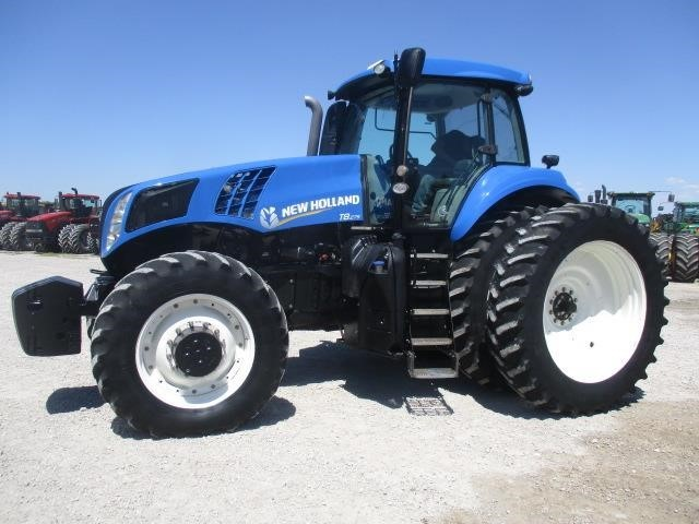 2011 New Holland T8.275 Tractor