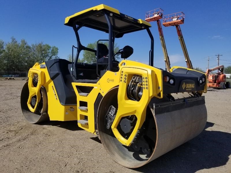 2019 Bomag BW206AD-5 Compacting and Paving