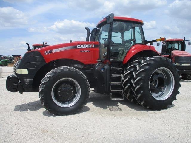 2012 Case IH Magnum 235 Tractor