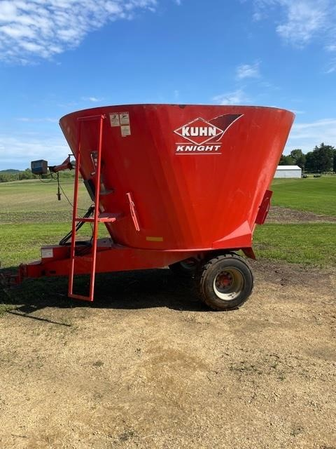 2015 Kuhn Knight 5135 Grinders and Mixer