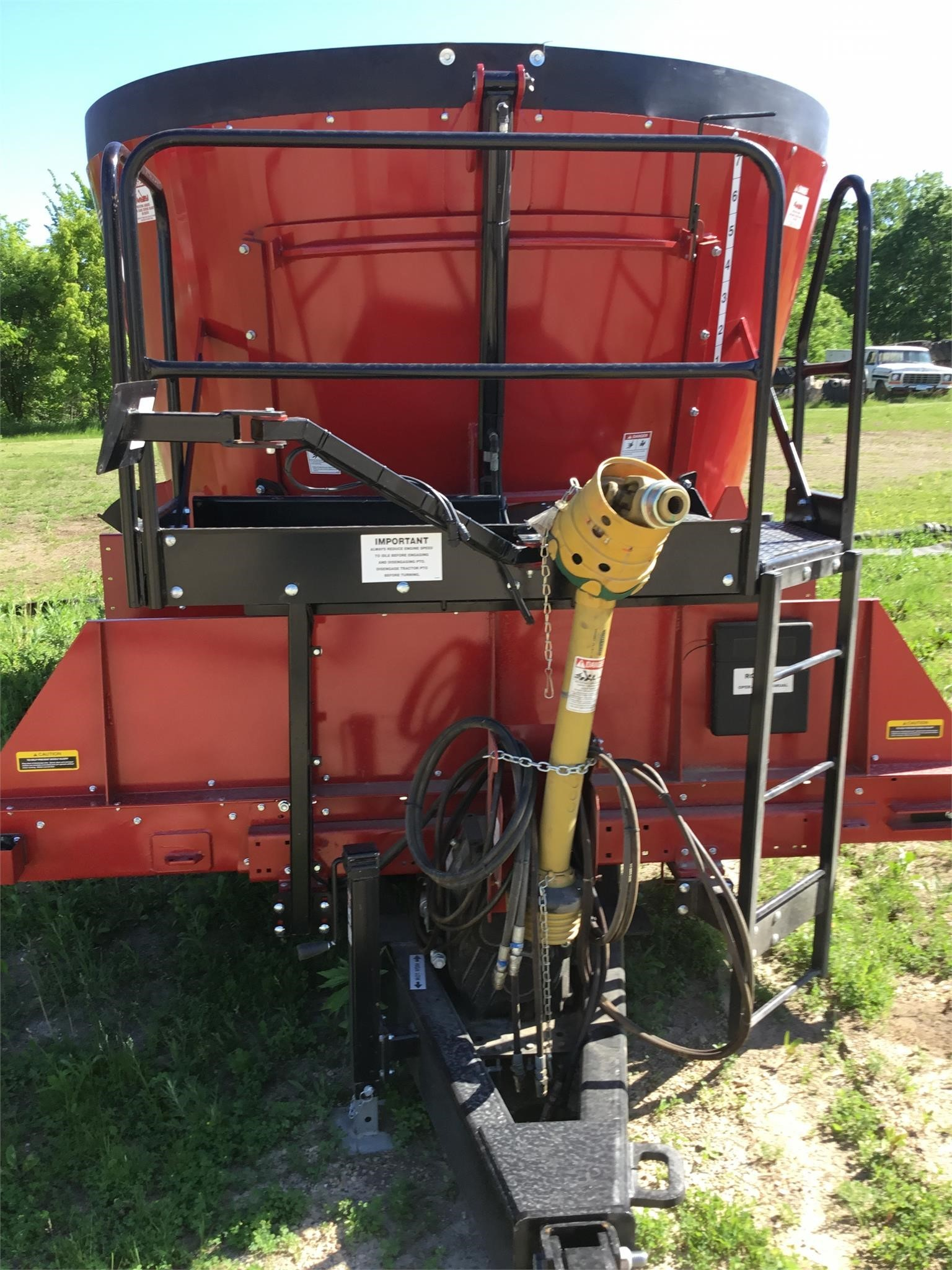 2020 Roto Mix 625 Grinders and Mixer