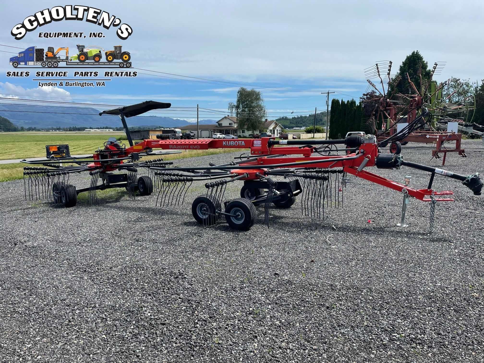 2017 Kubota RA2071T EVO Rake