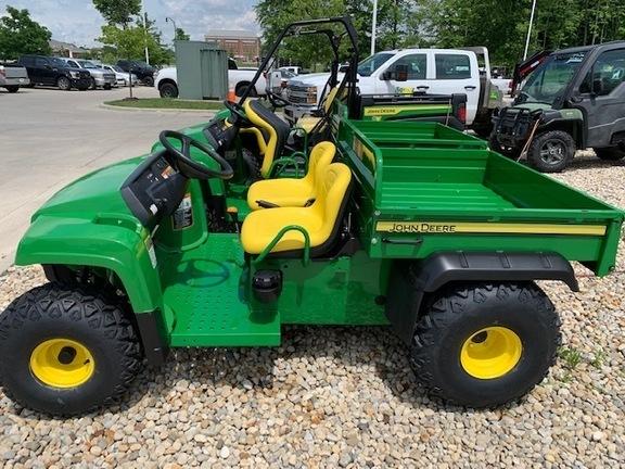 2022 John Deere Gator TS ATVs and Utility Vehicle