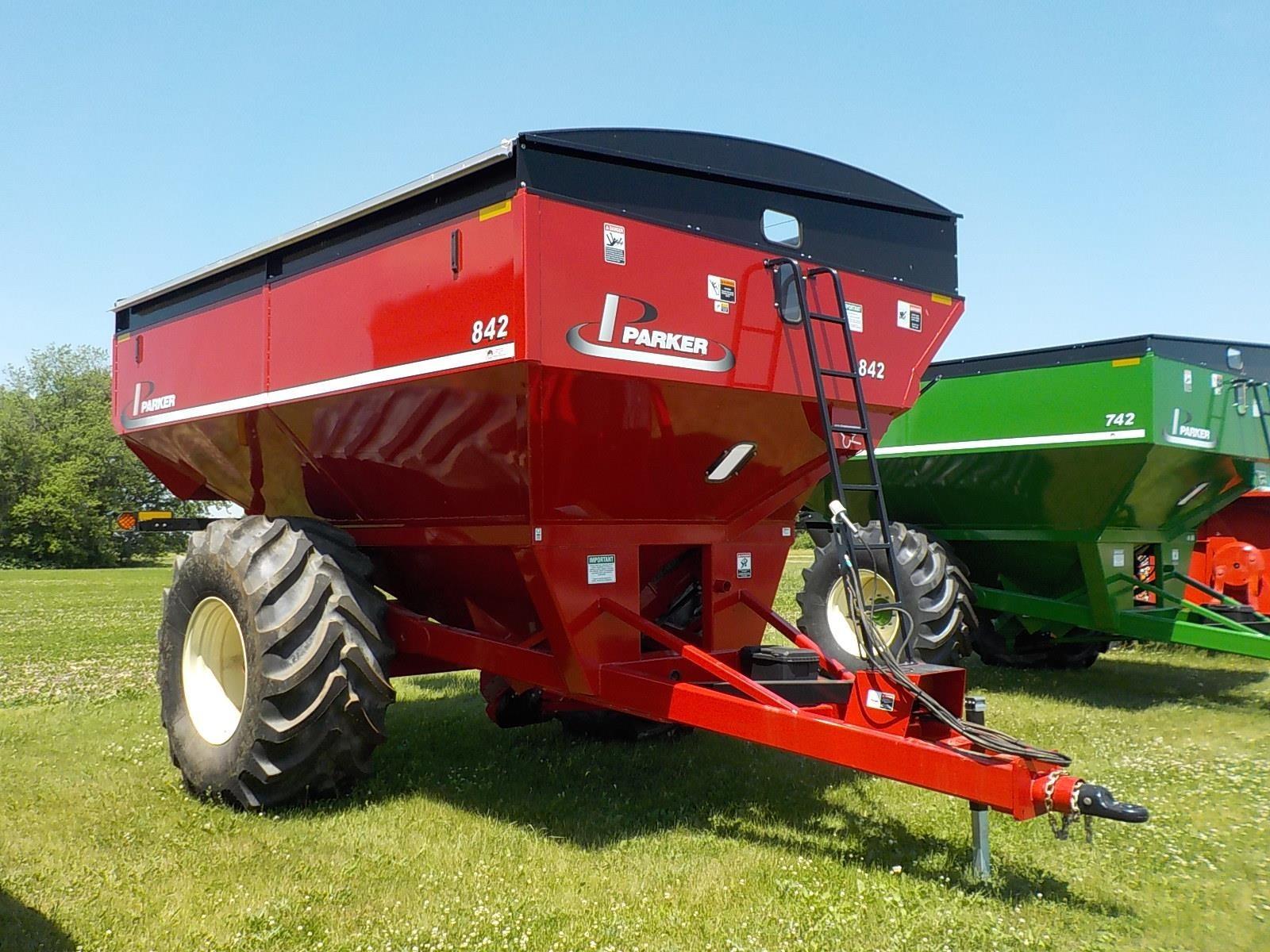 2021 Parker 842 Grain Cart