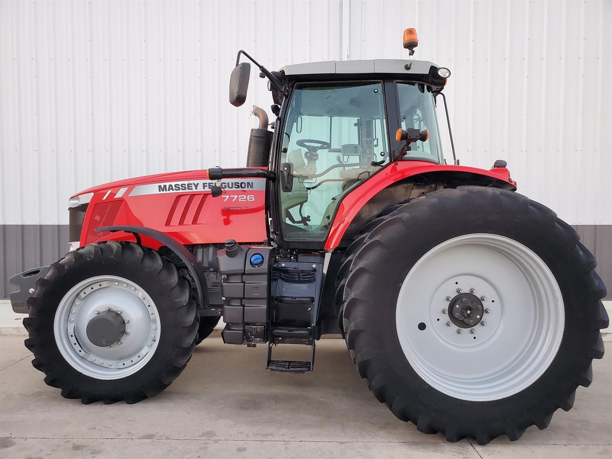 2017 Massey Ferguson 7726 DYNA-VT Tractor