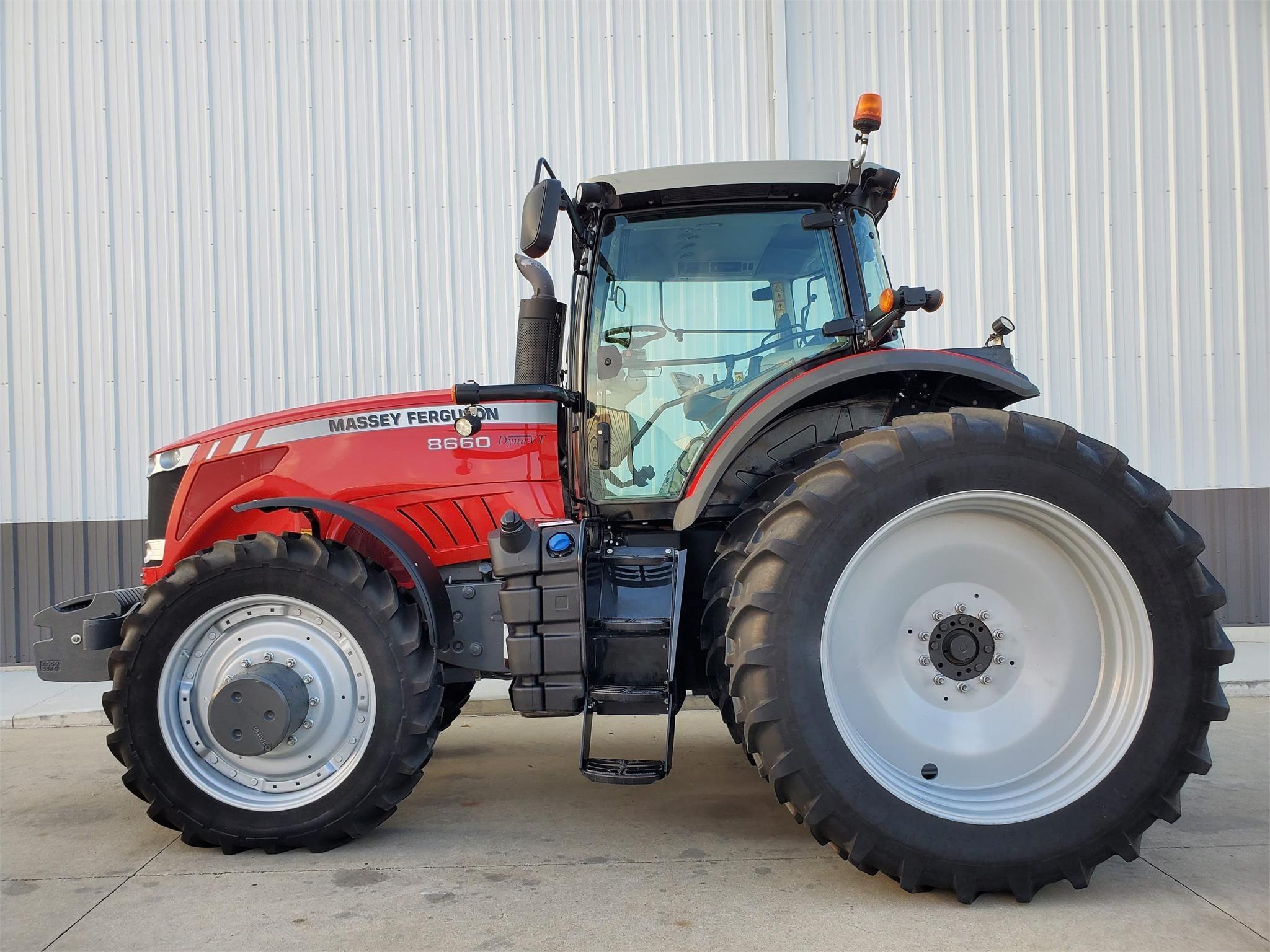 2014 Massey Ferguson 8660 Tractor