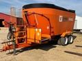 2013 Valmetal V-MIX FATMIX 1130 Feed Wagon