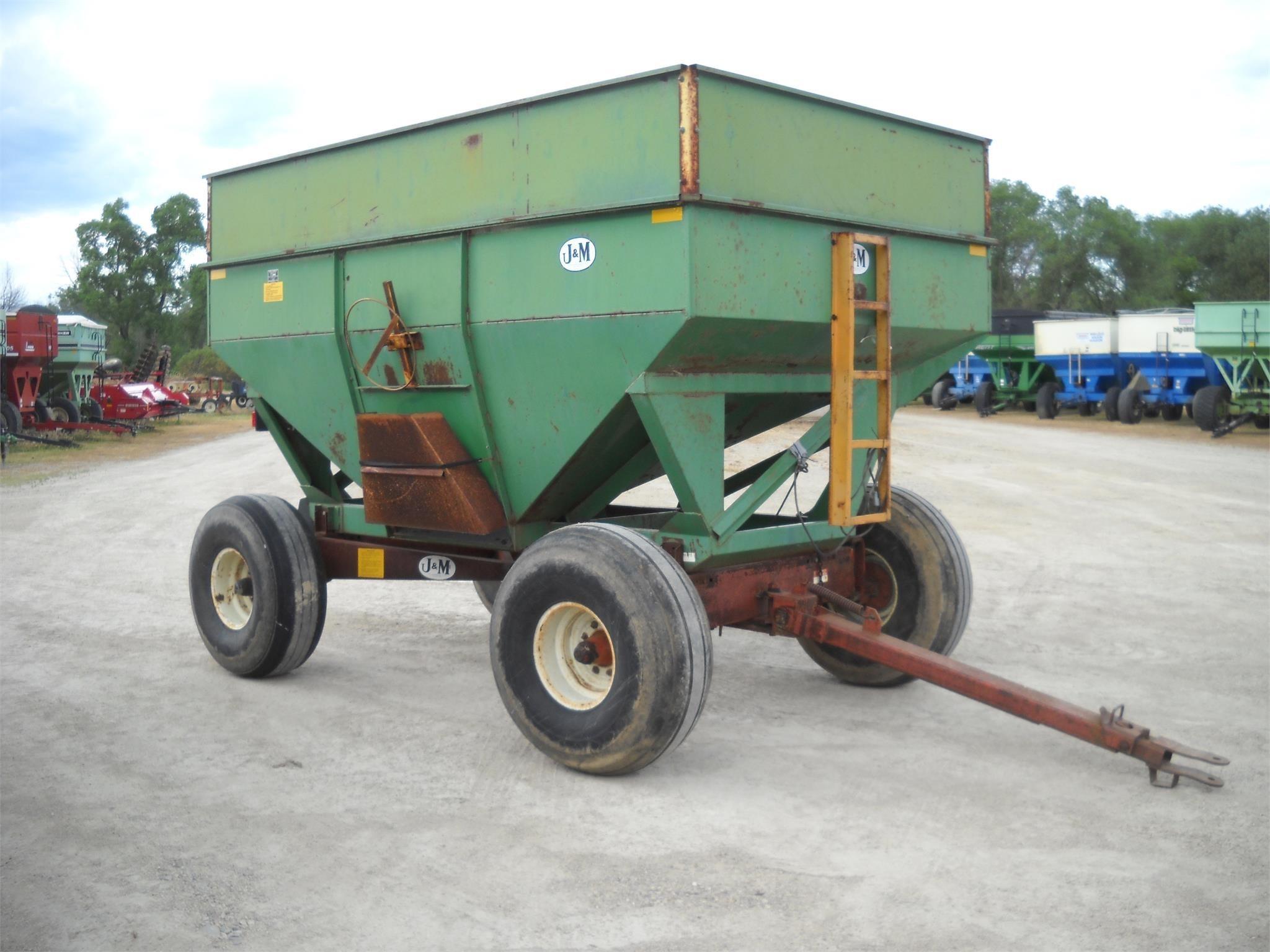 1985 J&M 350-20 Gravity Wagon